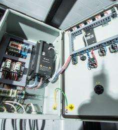 Шкаф управления насосами, с преобразователями частоты
