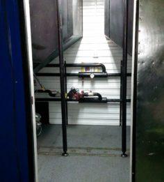 Вход в модуль с двумя котлами со встроенными бункерами 2,5м3